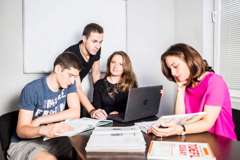 """Language Centre"" invites the English speaker foreigners, who want to learn Russian language"