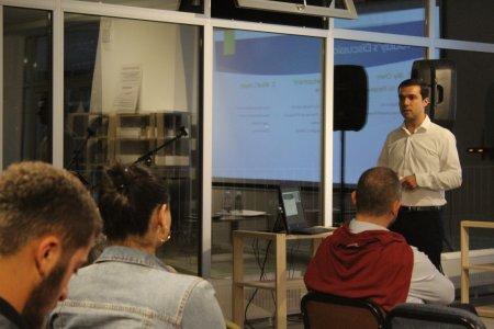 Public lecture by David Urbaneja-Furelos