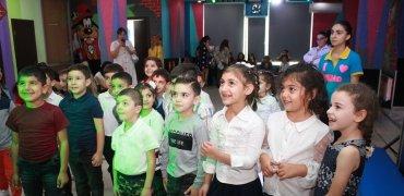 """ააიპ """"ქართველ სომეხთა კავშირის"""" ინიციატივით დღესასწაული ბავშვებს"""