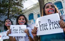 საფრთხეში მყოფი ჟურნალისტების დასაცავად One Free Press Coalition-ი ყოველთვიურად 10 ყველაზე გადაუდებელი საქმის სიას აქვეყნებს, რომლის მიზანს ჟურნალისტების დაცვა წარმოადგენს.  პროექტში 30 მედიასაშუალებაა ჩართული, მათ შორის TIME-ი,The Associated Press-ი, Reuters-ი, Süddeutsche Zeitung-ი, Forbes-ი, The Washington Post-ი და სხვ.