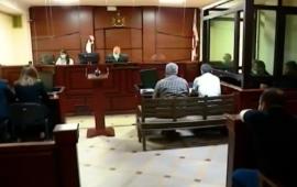 ჟურნალისტებზე თავდასხმაში ბრალდებულ 3 პირს პატიმრობა შეეფარდა