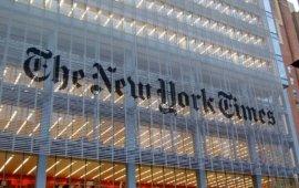 """The New York Times-მა 26 სექტემბერს მასალაში აშშ-ის და უკრაინის პრეზიდენტების დონალდ ტრამპისა და ვოლოდიმირ ზელენსკის სატელეფონო საუბრის ე.წ. მამხილებლის შესახებ მაიდენტიფიცირებელი დეტალზე მიანიშნა და თქვა, რომ ის ცენტრალური სადაზვერვო სააგენტოს (CIA) თანამშრომელი იყო. ამის გამო The New York Times-ი კრიტიკის ობიექტი გახდა.  The New York TImes-ი მამხილებლის ადვოკატმა ენდრიუ ბეკეჯმაც გააკრიტიკა და თქვა, რომ """" მამხილებლის შესახებ თუნდაც მინიმალური ინფორმაციის გამჟავნების ნებისმიერი მცდელობა ღრმად შემაშფოთებელი და გაუმართლებელია, რადგანაც ის ინფორმატორისთვის, შესაძლოა, ზიანის მომტანი აღმოჩნდეს.  კრიტიკის საპასუხოდ, გამოცემამ საზოგადოებისთვის მსგავსი გადაწყვეტილების მოტივი განმარტა. The New York Times-ის აღმასრულებელმა რედაქტორმა დინ ბეკეტმა მკითხველს ვრცელი წერილით მიმართა, რომელშიც მამხილებლის გათქმის მიზეზები ახსნა.  """"ჩვენ მამხილებლის შესახებ მცირე ინფორმაციის გამოქვეყნება იმ მოტივით გადავწყვიტეთ, რომ მკითხველისთვის მიგვეცა საშუალება თავად განესაჯა, თუ რამდენად სანდო იყო იგი და მის მიერ მოწოდებული ინფორმაცია. ამასთან, ჩვენ ისიც გაცნობიერებული გვქონდა, რომ თეთრმა სახლმა უკვე იცოდა, რომ ინფორმატორი ცენტრალური სადაზვერვო სააგენტოს ოფიცერი იყო"""", - განმარტა მან.  წყარო: imediaethics.org"""