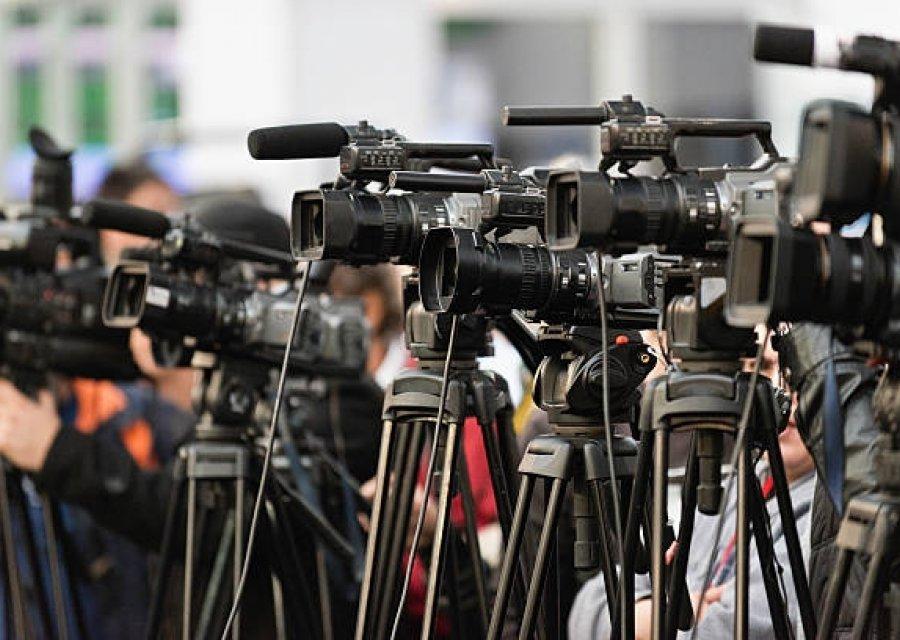 ე.წ. კომენდანტის საათი მედიასაც ეხება - ვინ გასცემს საშვს მედიის წარმომადგენლებისთვის