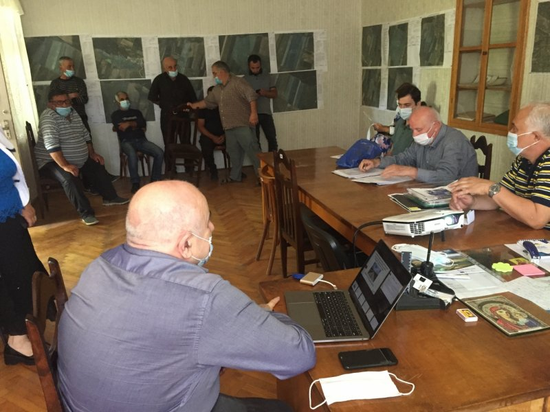 გზშ ანგარიშის  საჯარო განხილვა საქართველოს რეგიონალური განვითარებისა და ინფრასტრუქტურის სამინისტროს საგზაო დეპარტამენტის მიერ რუსთავი-წითელი ხიდი, ალგეთი-სადახლო, თბილისი-საგარეჯო, საგარეჯო-ბაკურციხის გზების მშენებლობის პროექტის ფარგლებში
