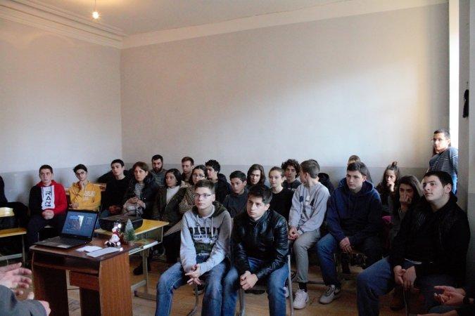 Μια επίσκεψη στο Ορθόδοξο Σχολείο της Αγίας Νίνας