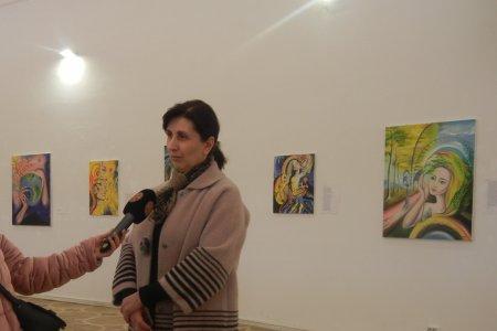 Комментарий к персональной выставке Теи Нозадзе  начальника Службы взаимоотношений с обществом   Тбилисской Духовной Академии и Семинарии Мариам Топурия